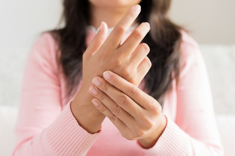 Numbness is one of the early arthritis symptoms.