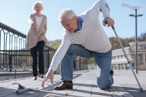 Difficulty with walking is one of the spinal stenosis symptoms.