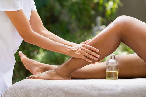Essential oils for knee pain and swelling